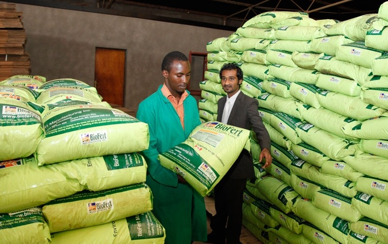 Government orders 20 000 tons of fertilser under command agric as ZFC unveils blending technology